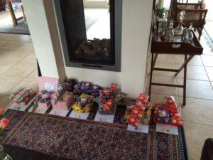 En met Sinterklaas is de haard bijna te klein......
